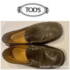 Tods men's brown driving shoes size 8.5